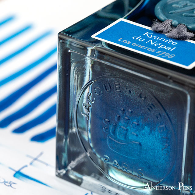 thINKthursday - J Herbin Kyanite du Népal